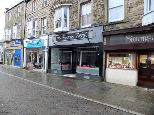 Cafe with flat for sale in Buxton