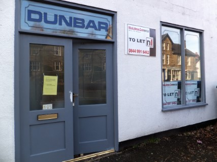 Shop to let in Whaley Bridge